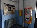 Praha-Vysočany, automat a označovač na jízdenky.jpg