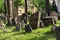 Praha Old Jewish Cemetery 20170501 02.jpg