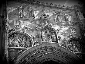 Principal facade of Santa María la Real Church - black and white photo - Aranda de Duero - Spain.jpeg