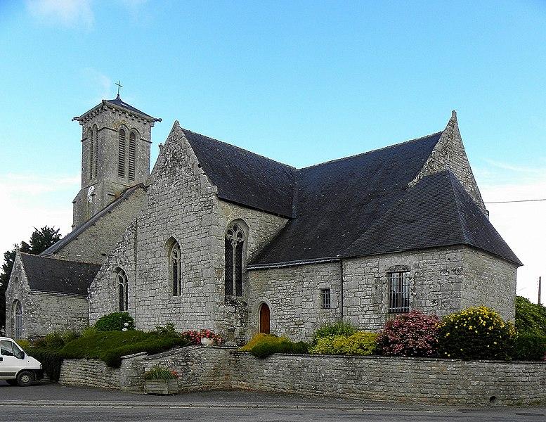Église Saint-Beheau de Priziac (56). Chevet et flanc sud.