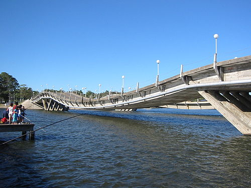 Stressed ribbon bridges, like this one in Maldonado, Uruguay, also follow a catenary curve, with cables embedded in a rigid deck. Puentedelabarra(below).jpg