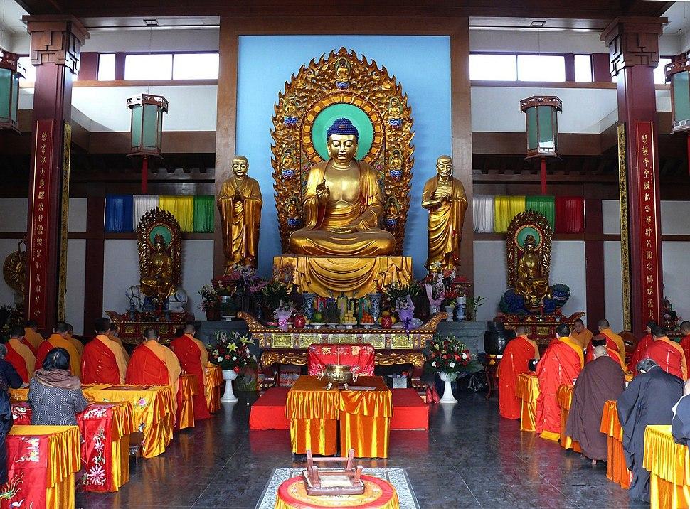 Qibao Temple Buddha Hall Adj.jpeg