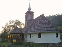 RO HD Wooden church in Almas-Saliste (2).jpg