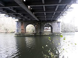 Rail bridge over the River Thames, carrying the Cherwell Valley line 06.jpg