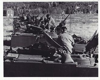 Le Régiment de Hull (RCAC) - Reconnaissance troop on exercise, 1976