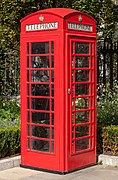 Red telephone box, St Paul's Cathedral, London, England, GB, IMG 5182 edit.jpg