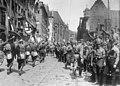 Reichsparteitag NSDAP Parade Nürnberg 1929 Adolf Hitler, Franz Pfeffer von Salomon, Nazi Party rally Robert Sennecke, Intern. Illustrations-Verlag Narodowe Archiwum Cyfrowe 3 1 0 17 12269 33706 Marked as Public domain.jpg