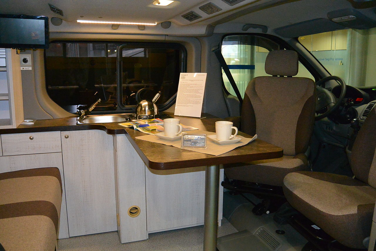 file renault trafic camper conversion 3. Black Bedroom Furniture Sets. Home Design Ideas