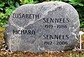 Richard Sennels (gravestone).jpg