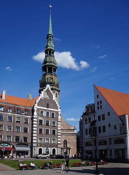 File:Riga la fléche de l'église st Pierre (2).JPG