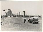Roadway deck Harbour Bridge, 1932 (8282699585).jpg