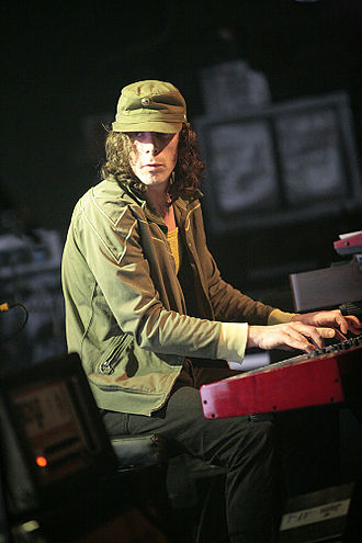 Rob Coombes - Rob Coombes performing with Supergrass in London, 2008.