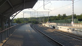 Romashkovo railway platform (view to north from west platform).JPG