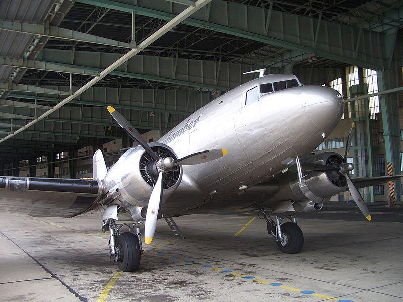 File:Rosinenbomber DC-3 D-CXXX.jpg