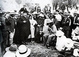 Whakatane - Māori prophet Rua Kenana Hepetipa meets with Prime Minister Joseph Ward in Whakatane, 1908.