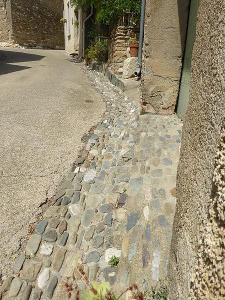 Rue pavée de Minerve (34)