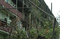 Ruins of a burnt apartment building in Gori.jpg