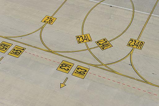 Runways Brussels Airport (7655181990)