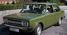https://upload.wikimedia.org/wikipedia/commons/thumb/5/56/SEAT_131_in_1977.jpg/220px-SEAT_131_in_1977.jpg