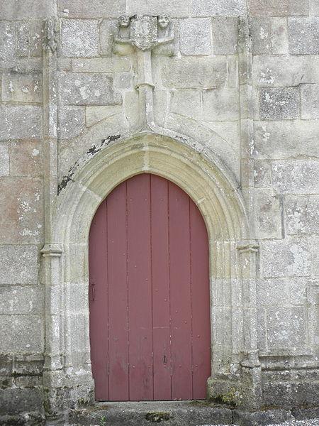Chapelle Saint-Adrien en Saint-Barthélémy (56). Porte occidentale du croisillon sud.