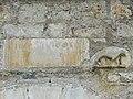 Saint-Bertrand-de-Comminges porte Cabirole remploi.JPG
