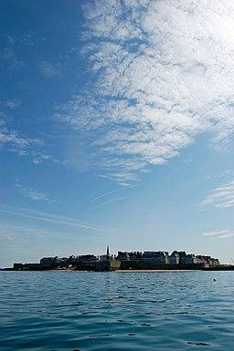 Saint-Malo depuis la rade - juin 2010