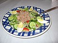 Salada com atum (5343439940).jpg