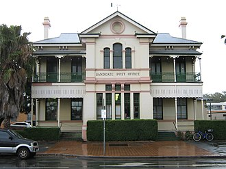 Sandgate, Queensland - Former Sandgate post office (now The Sandgate Post Office Hotel)