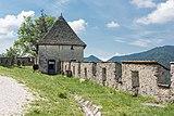 Sankt Georgen am Längsee Burg Hochosterwitz Wehrturm beim Reisertor 01062015 4291.jpg