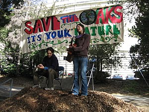 University of California, Berkeley oak grove controversy - Protesters at the 2007-01-20 Save The Oaks Festival