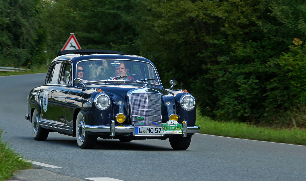 File saxony classic rallye 2010 mercedes benz 220 s 1957 for Rally mercedes benz