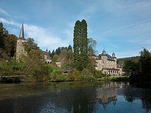 Gimborn Castle - Image: Schloss Gimborn und Kirche 2010 Ste Di 2