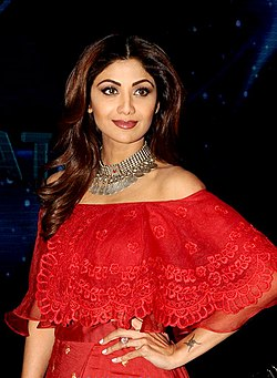 Shilpa Shetty snapped on the sets of Indian Idol (2)