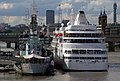 Silver Cloud and HMS Belfast 2 (6086853810).jpg