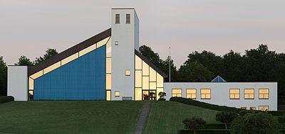 Skjoldhøj Kirke ved solnedgang 14 juni 2013 alternativ crop.jpg