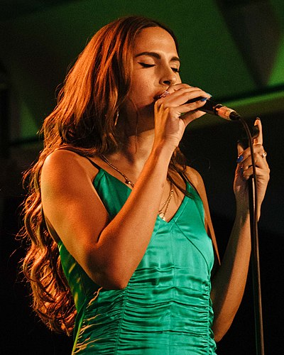 Picture of a band or musician: Snoh Aalegra