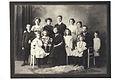 Sonja och Karl Emil Ståhlberg med elva barn ca 1912.jpg
