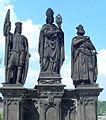 Sousoší Svatého Norberta, Václava a Zikmunda na Karlově mostě(Aw58).JPG
