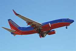 Southwest Airlines Boeing 737-700; N286WN@LAX;08.10.2011 620dz (6298798844).jpg