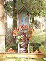 Sowina-kapliczka w Lesiakach - panoramio.jpg