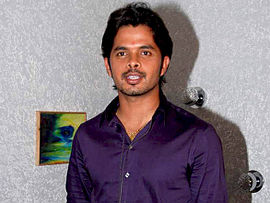 Sreesanth on the sets of KBC 10.jpg