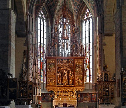 Main altar in the Basilica of St. James, crafted by Master Paul of Levoca, 1517. It is the tallest wooden altar in the world. St. James, Levoca, Main altar, 2017 v2.jpg