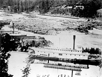 Alice (sternwheeler) - Image: Steamers Alice and Albany at Oregon City circa 1874 image 2