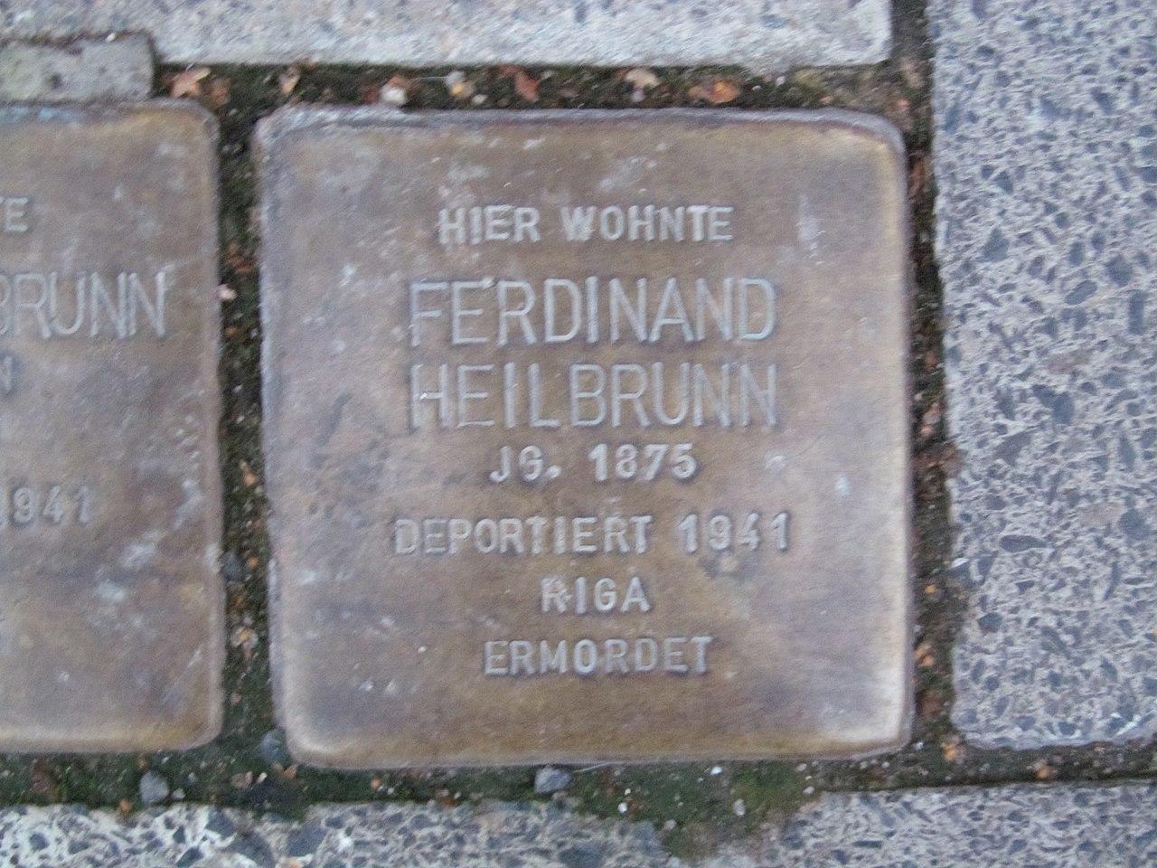 der Stolperstein für Ferdinand Heilbrunn