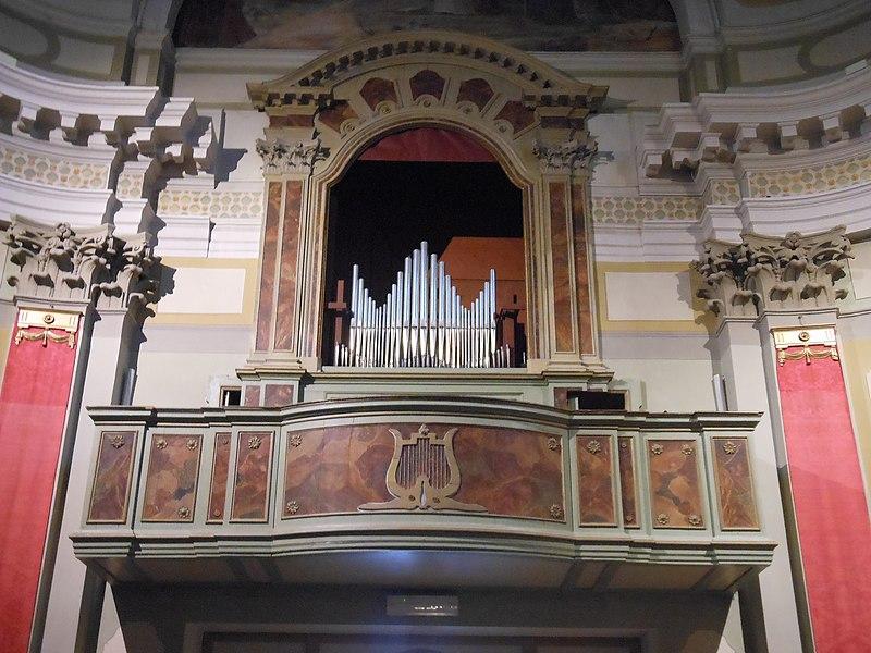 Datei:Sutrio, Chiesa di Sant'Ulderico, Organo di anonimo carnico.jpg