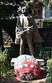 Syleman Vokshi Statue2.jpg