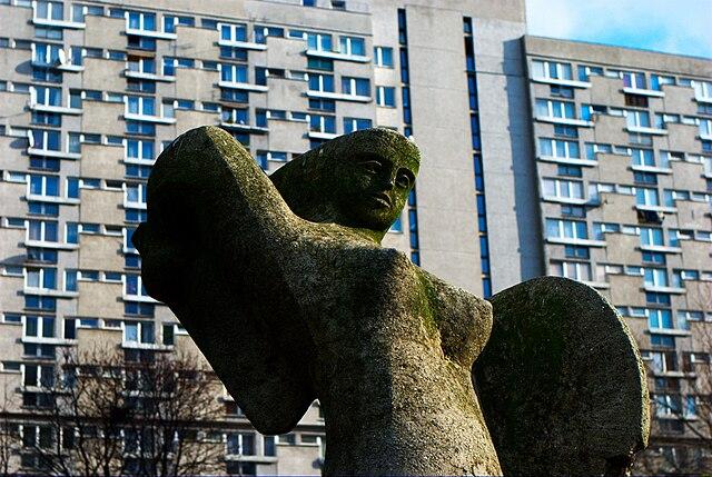 > Sirene de Varsovie dans le quartier de Żelazna Brama / Wola - Photo de Weg0rz.