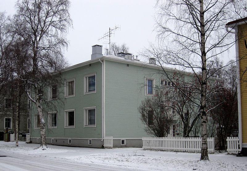 File:Syrjäkatu 21 Oulu 20141123.JPG