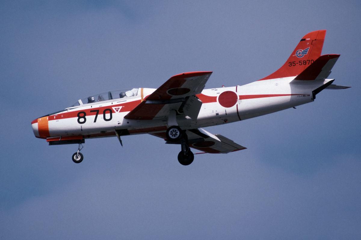 T-1B Ashiya (21928049760).jpg