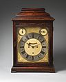 Table or bracket clock MET DP-13122-066.jpg